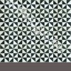 Fekete fehér háromszög mintás cementlap