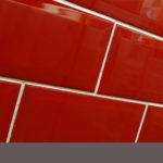 Piros fózolt metró csempe raktárról vásárolható