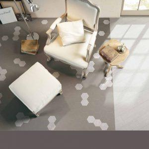 Taupe színű matt hatszögletű padlólap