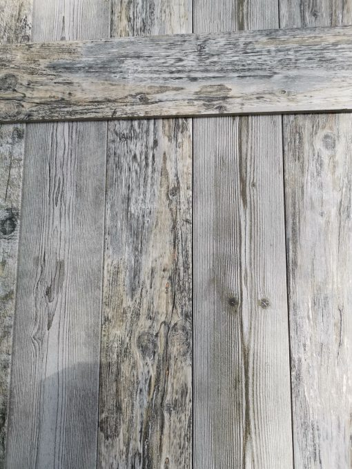Fahatású padlólap rusztikus felülettel