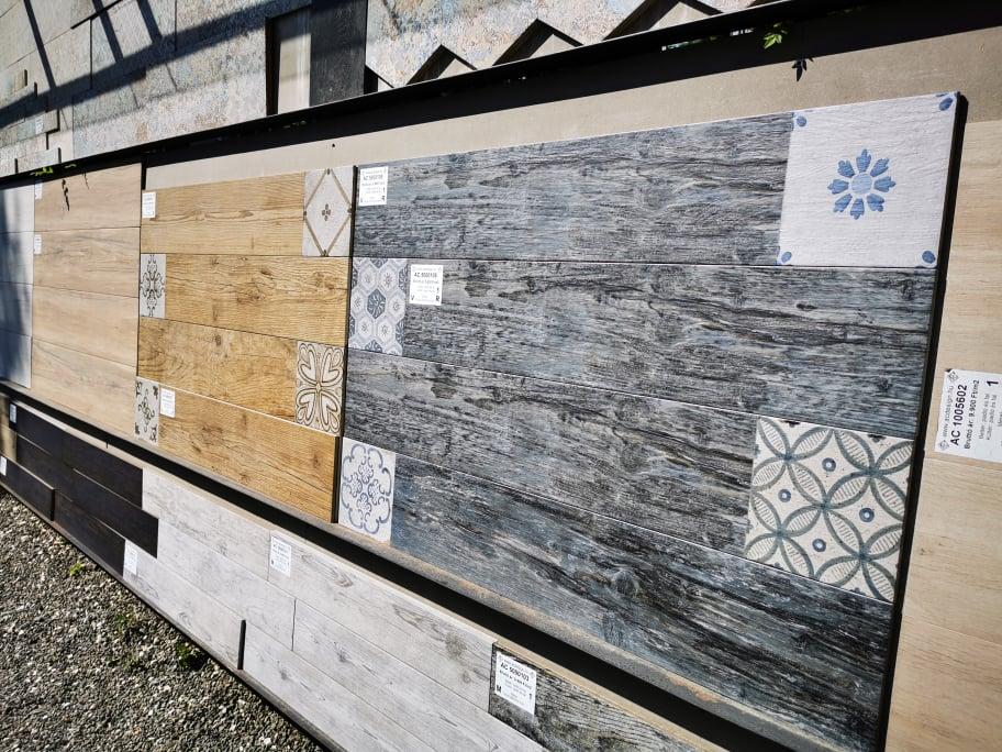 Burkolatvásárlás Szentendrén az AC Design -tól fahatású lap